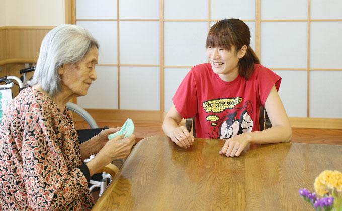 京都・山科の介護福祉施設、緑寿会山科苑では、日々「一緒に暮らす」ことがお仕事です。